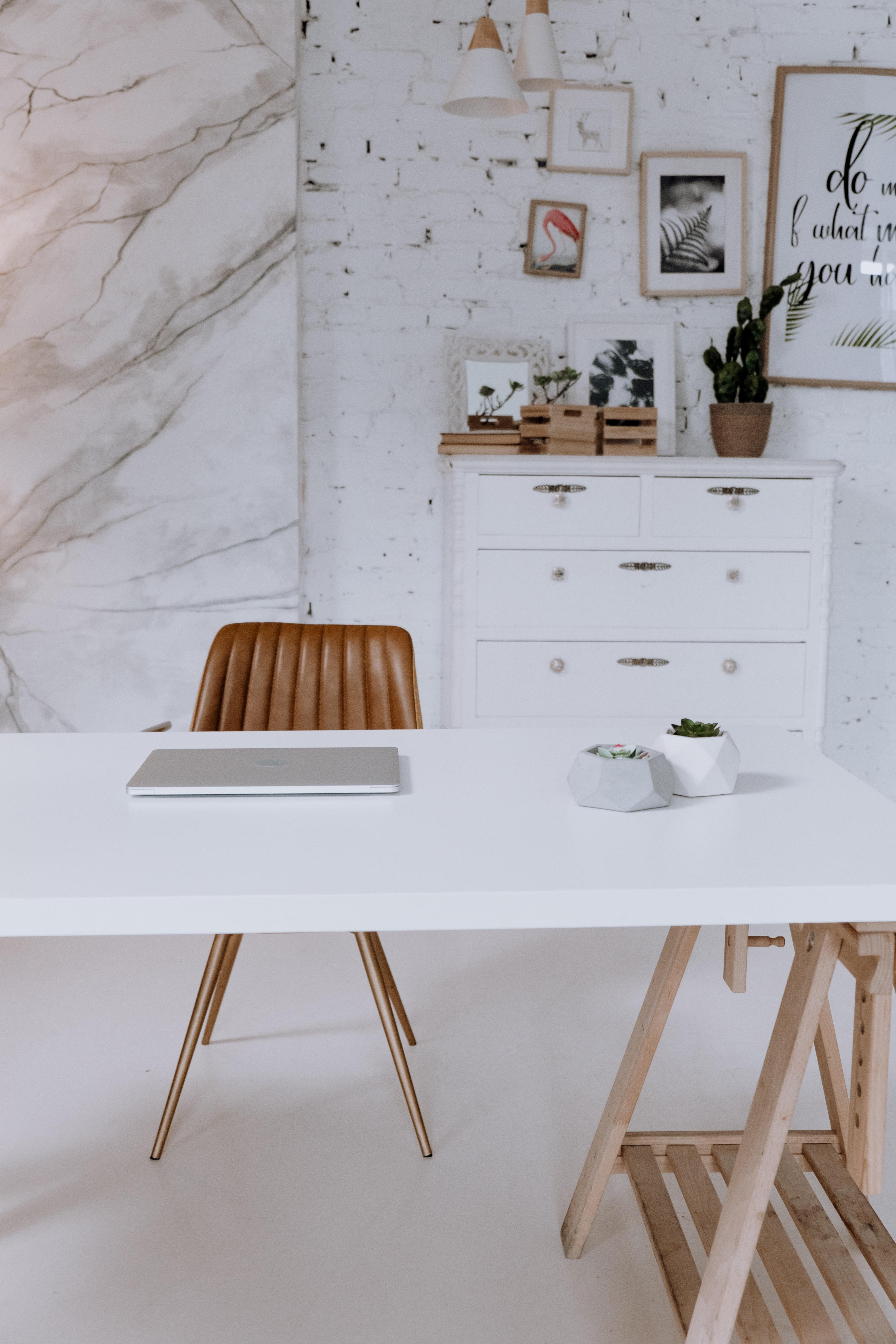 Un ensemble de bureau pas cher pour sa maison : astuces et conseils